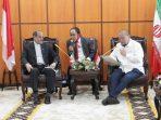 Ketua DPD RI, LaNyalla saat menerima Duta Besar Republik Islam Iran Mohammad Khoush Heikal Azad. (Foto: Dokumentasi Humas DPD)